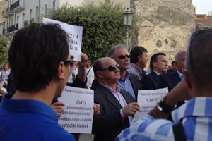 Fondi, 9 settembre 2009, il sindaco e gli assessori contestano la manifestazione dell'Idv